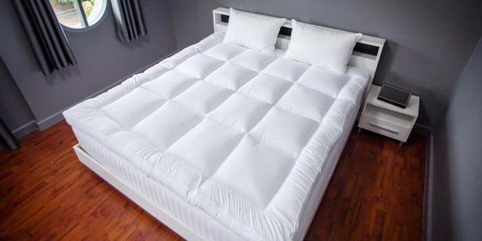 The pros and cons of mattress topper