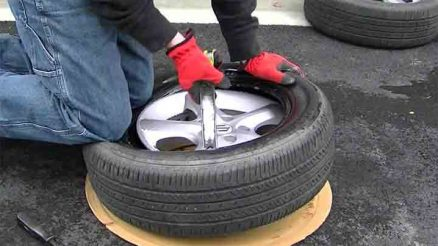 10 Ways to Change a Tyre on Your Own