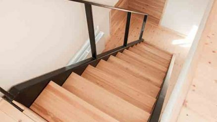 The-Installation-of-Hardwood-Stair-Treads